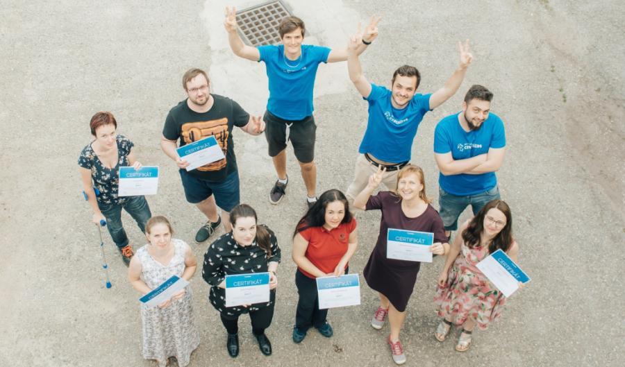 Další mladí začínající programátoři jsou připraveni naplno vkročit do světa IT
